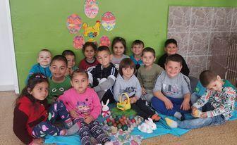 Великденска украса в групите и боядисване на яйца - ДГ Първи Юни - Макариополско,Търговище